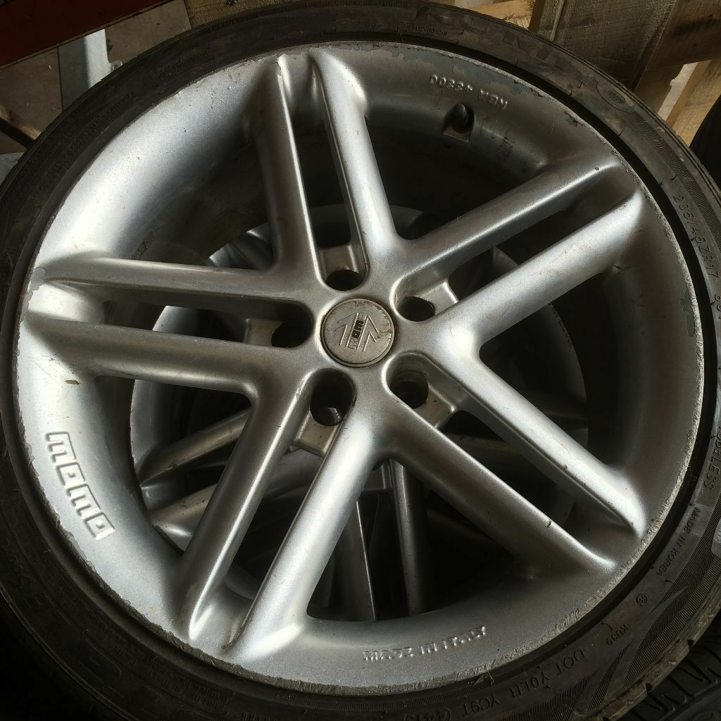 Momo Arrow 17 Inch Alloy Wheels Amp Tyres 5x100 Toyota