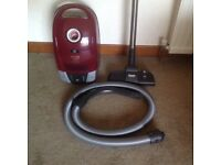 MIELE CYLINDER VACUUM CLEANER C2 CAT & DOG MODEL - IN EXCELLENT CONDITION AND PERFECT WORKING ORDER