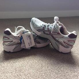 Ladies Asics Gel 2140 running trainer/shoe brand new with tags, cost £84.95, size 6.5