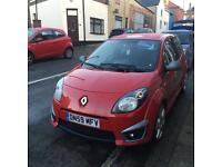 Renault Twingo 1.6 sport 133 cup colour Red