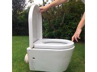 GSI White Toilet with toilet seat