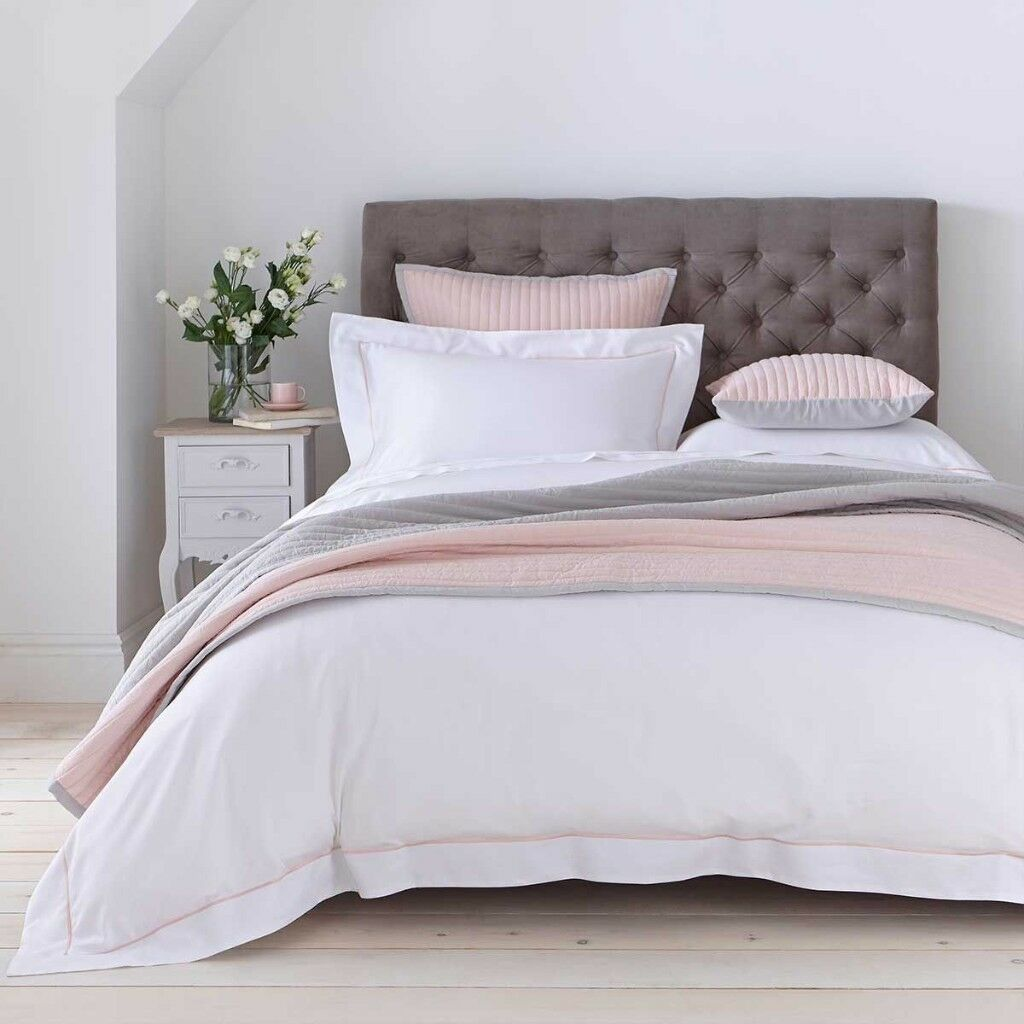 new and elegant twilight bedspread from dusk pink grey colour in caldicot monmouthshire. Black Bedroom Furniture Sets. Home Design Ideas