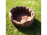 P&L COUNTRY DOG HEAVY DUTY OVAL DROP FRONTED WATERPROOF DOG BED