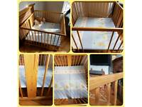 Square wooden playpen 100x100cm - excellent condition