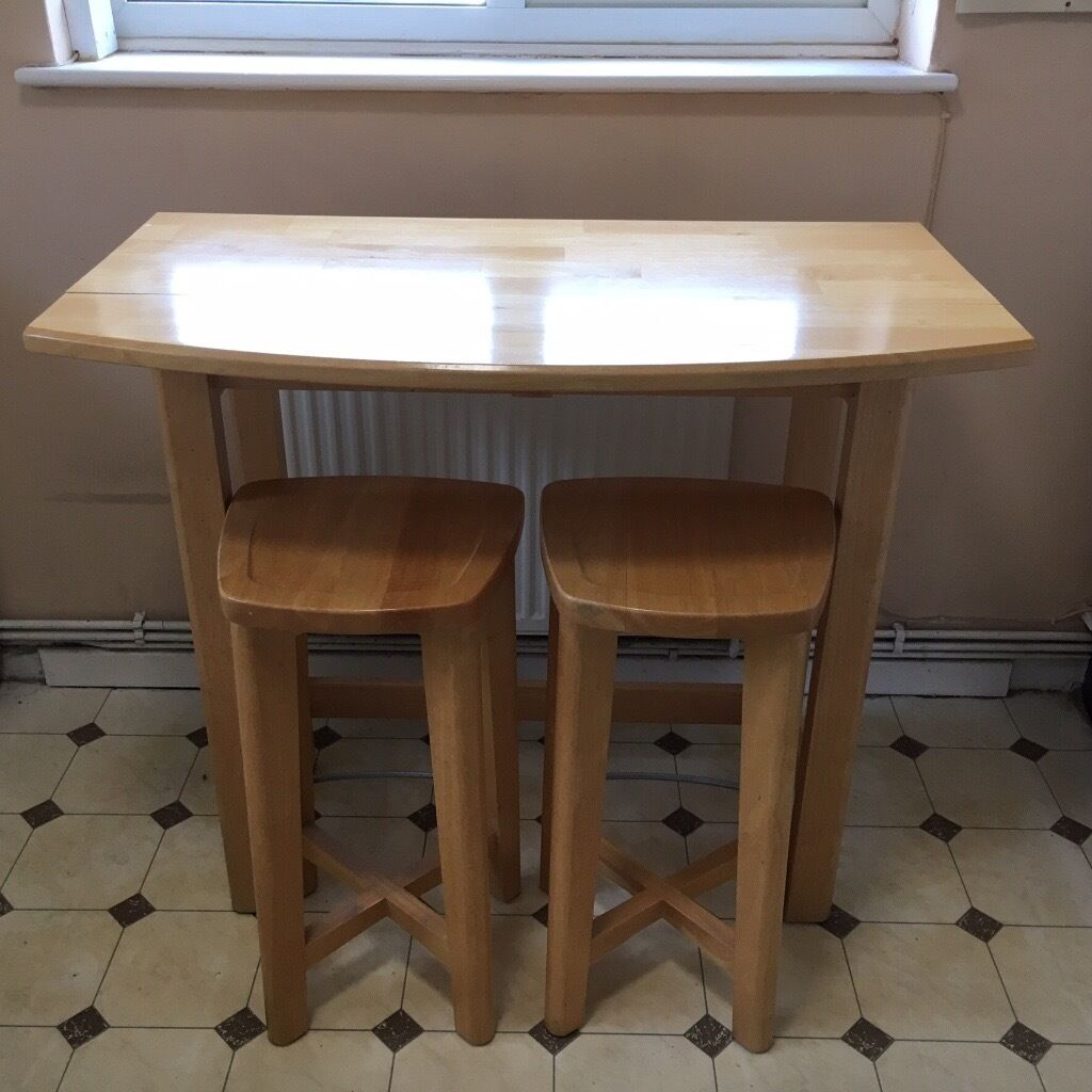 Breakfast bar table and two matching stools in dartford for Breakfast table with stools