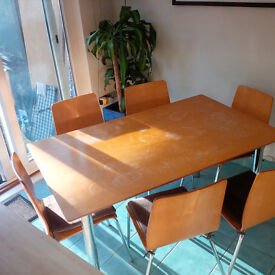 Kitchen table with 6 chairs (90cm x 150cm x 74cm)