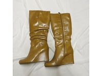 CLARKS BOOTS LEANN CONISTON SIZE 8 BRAND CARAMEL COLOUR NEW WEDGE HEEL COST £160
