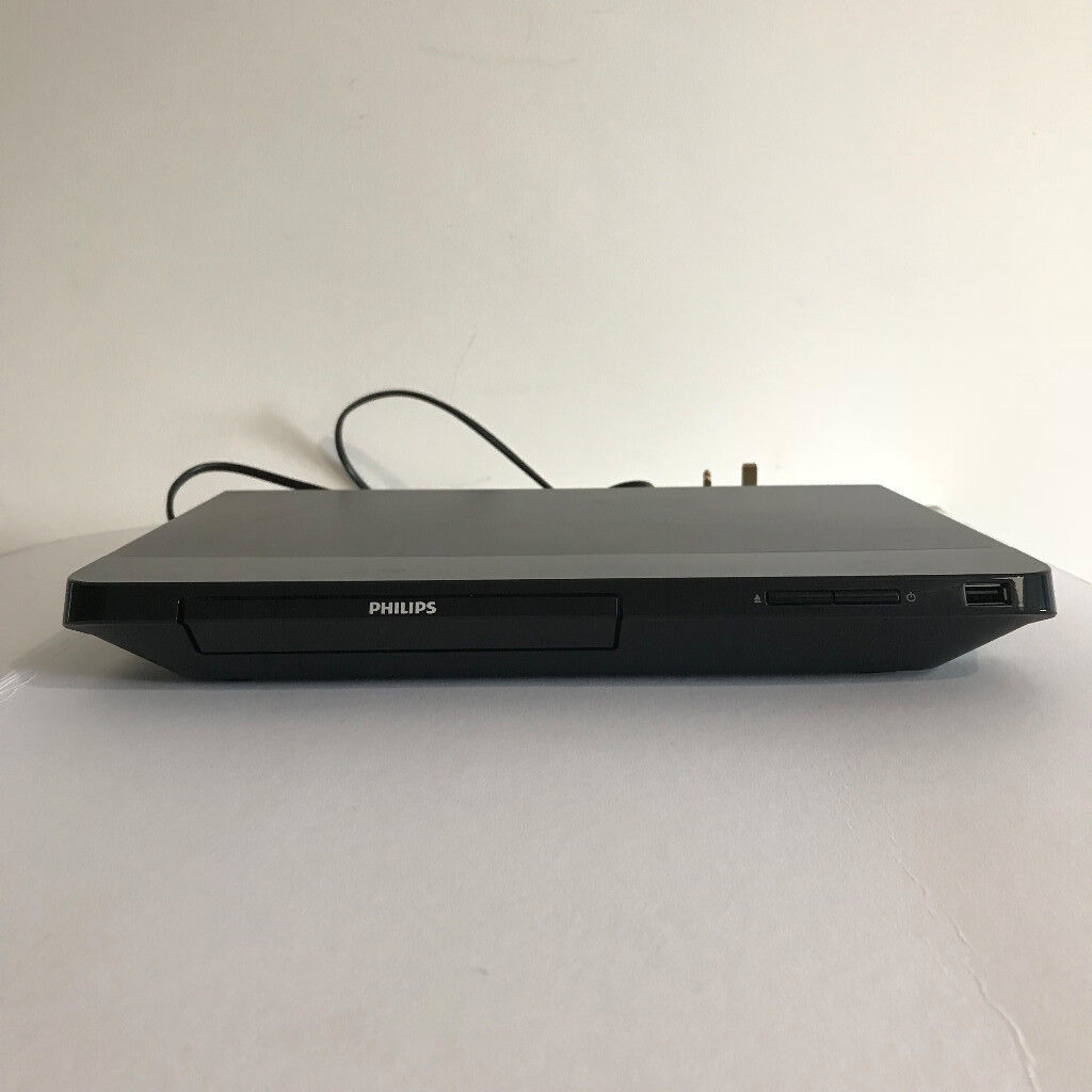 Phillips BDP2100 Blu-ray / DVD player and remote