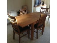 Oak Dinning Table plus 4 Chairs