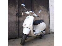 Vespa Sprint 125cc - £3299 Brand new - ON THE ROAD