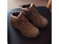 Hi-Tec Women's Walking Boots Size 6 Collection Only