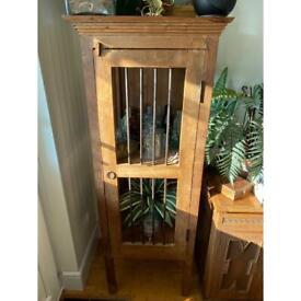 Wooden cuobiard