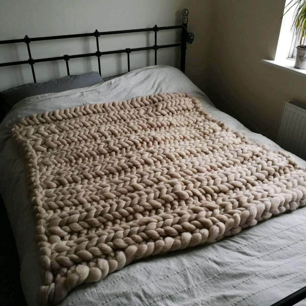 New handmade pure 100% natural wool blanket - 125×125cm