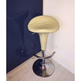 Bar stool / Makeup chair / Size adjustable seat
