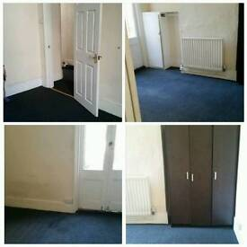 Available bedroom to rent