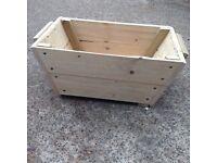 Wooden basket / log basket