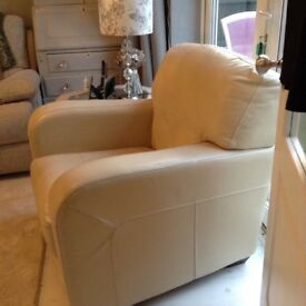 Leather cream arm chair, perfect condition