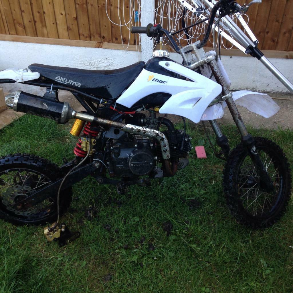 Lifum Akuma Assassin 125cc Pit Bike White Faulty In Tilbury