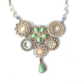 Statement piece Flower coloured necklace by Accessorise