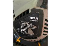 Titan TTL684BVC leaf blower