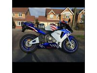 HONDA CBR600 RR, 2004 MODEL WITH ONLY 16500 MILES BEUTIFULL BIKE