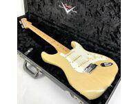 2006 Fender Custom Shop Custom Classic Stratocaster – Honey Blonde - Trades