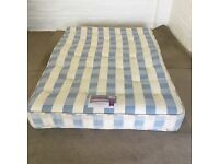 Double mattress clean (free delivery)