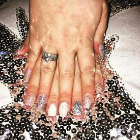Mobile acrylic nails