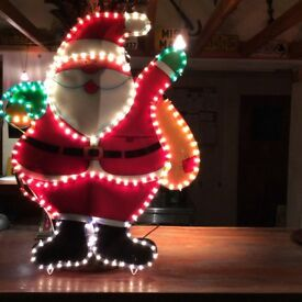 Large santa - lights up, looks good! For indoor use.