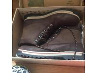 Men's size 10 clarks boot brand new and boxed