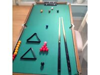 Childrens pool/snooker table