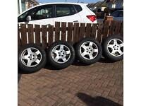 Set of 4 Land Rover alloys with tyres winter goodyear 18""