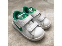 Boys Nike size 4.5 infant
