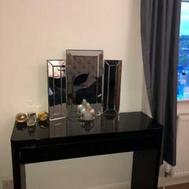Black Gloss Dressing Table with Drawer