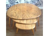 GORGEOUS 1970s ERCOL PEBBLE LIGHT ELM NEST OF 3 OCCASION COFFEE TABLES GOOD USED CONDITION