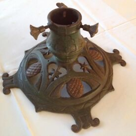 Wrought iron Christmas tree stand, diameter 33cm, in excellent condition
