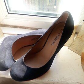 Black velevet heels size 5