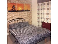 LOVELY DOUBLE ROOM IN ELTHAM - Available immediately for 1 MONTH ONLY