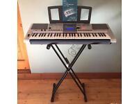 Yamaha YPT-400 Electric Keyboard