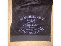 Juicy Couture zipper