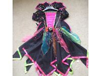 Witches costume and hat from M&S. Age 9-10. Worn once. Excellent condition