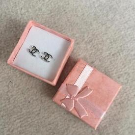 Small studs earrings doubleCC new gift box