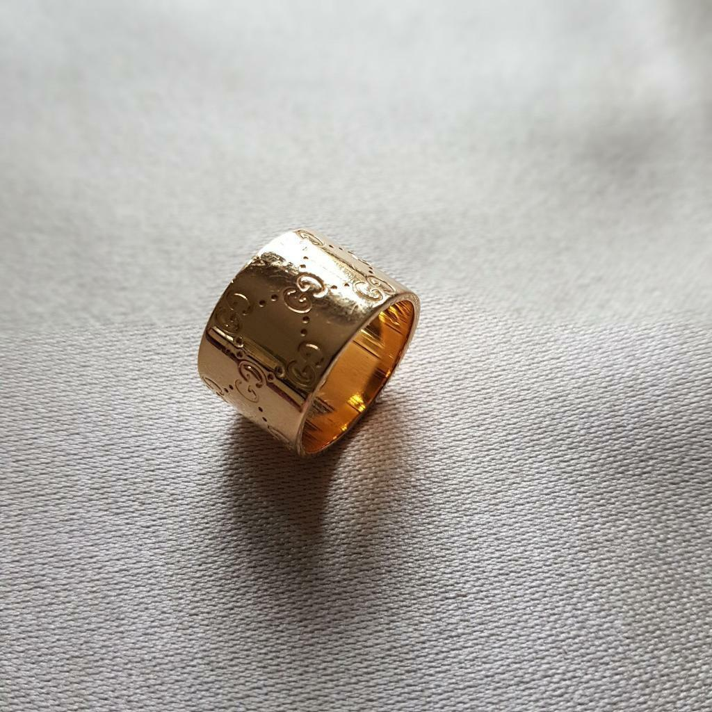 f8aeeaa6109358 GUCCI 18ct Yellow Gold Icon Ring (wide) | in Bracknell, Berkshire ...