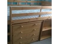 Kids Midi Cabin style bed