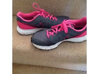 Nike Downshifters Trainers, Grey/Pink size 6