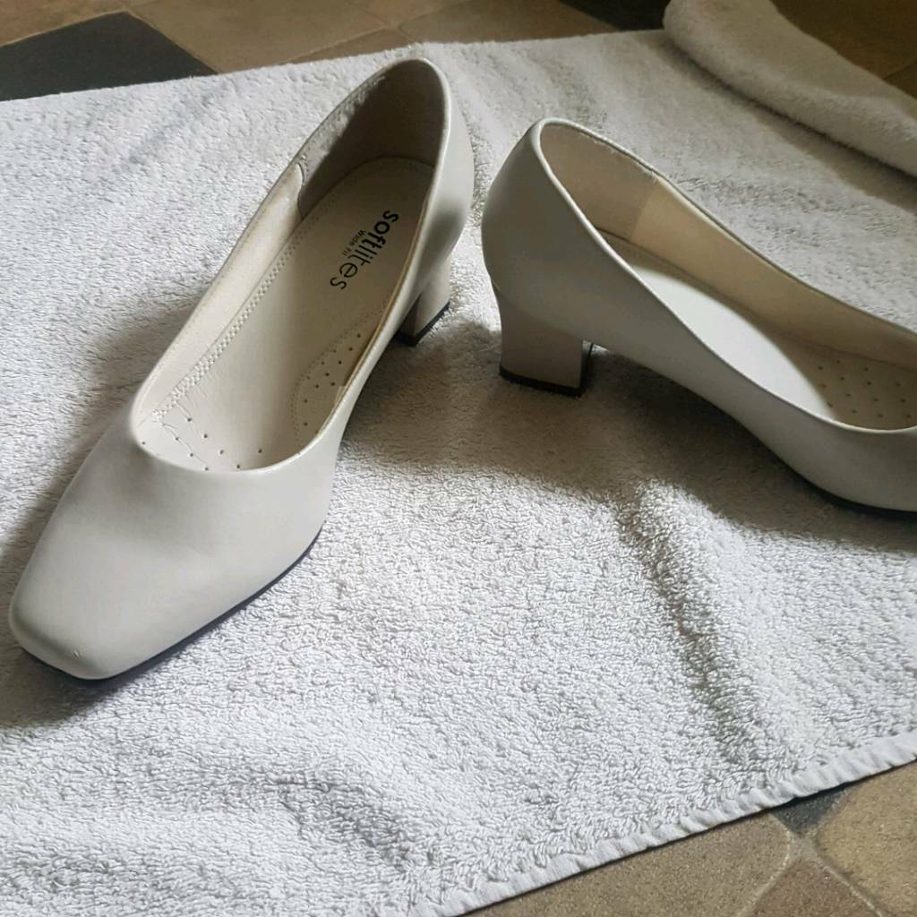 Ladies brand new shoes size 6