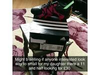 Football boots girls