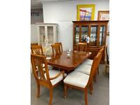 STUNNING DINING TABLE & 8 CHAIRS (unit to match listed separately)
