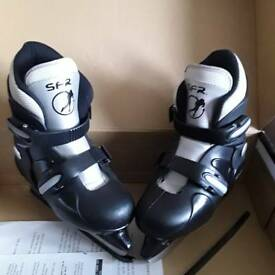 BOYS BLACK SFR ICE SKATES, BRAND NEW