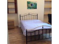 Furnished double rooms with wifi for students. City centre/Sandfields area. Fixed bills.